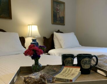 2 Girls Reconnect, Pinecrest Bed & Breakfast